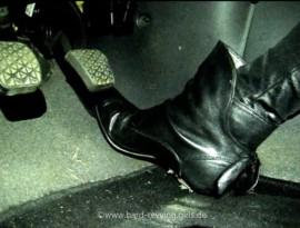 Mandy is revving Opel Corsa