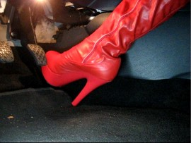 Pedal Play and Revving hard in red leather plateau overknee boots