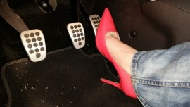 Ina hard revving in pink High Heels and Jeans